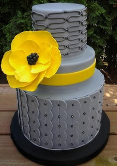 DIY Cake Decorating: Wax paper technique/Template