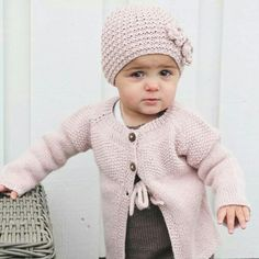 Aran Knitting Patterns, Baby Kind, Little Ones, Knitwear, Cute Outfits, Crochet Hats, Pullover, Sweaters, Clothes