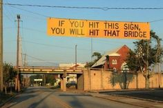 De grappigste verkeersborden ter wereld | Columbus Magazine