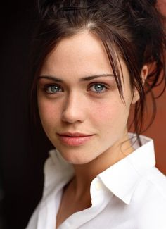 Jennie Jacques Click the PIN to see Girl Celebrities, Celebs, British Celebrities, Beautiful Gorgeous, Beautiful Women, Lovely Eyes, Simply Beautiful, Felicity Jones, Portraits
