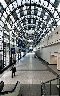Skywalk Union Station, Toronto.   Skywalk connecting Union Station, Metro Toronto Convention Centre, and Rogers Centre