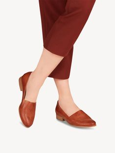 Slipper 1-1-24216-24: Buy Tamaris Slippers online! Make The Right Choice, Leather Slippers, Trends, Stylish, How To Wear, Stuff To Buy, Shoes, Products, Fashion