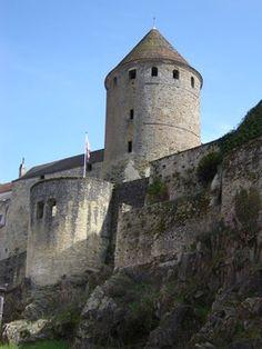 Morvan,   Semur en Auxois..  remparts avec 4 tours