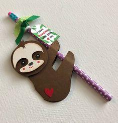Valentines For Kids, Valentine Crafts, Valentine Day Cards, Class Christmas Gifts, Preschool Crafts, Crafts For Kids, Diy Gifts To Sell, Boyfriend Crafts, Valentine's Day Diy