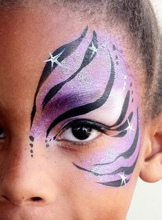 very popular quick eye design by www. Love the use of stars her. Eye Face Painting, Adult Face Painting, Body Painting, Face Paintings, Princess Face Painting, Zebra Face Paint, Tiger Face Paints, Tiger Face Paint Easy, Cool Face Paint