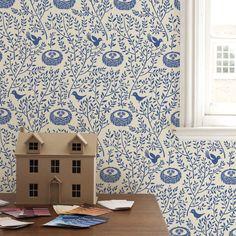 Papier peint repositionable Little nest Kids Wallpaper, Fabric Wallpaper, Textile Patterns, Print Patterns, Textile Design, Kids Bedroom, Kids Rooms, Childrens Rooms, Vintage Birds