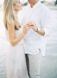 Engagement Couple, Engagement Pictures, Engagement Session, Engagement Photo Inspiration, Wedding Photography Inspiration, Fashion Couple, Married Life, Couple Shoot, Photo Shoots