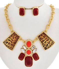 Hollywood Glam Leopard Crystal Red Design Pendant Gold Link Necklace UNIKLOOK #uniklookbijouxjewelry #necklacesearringsset