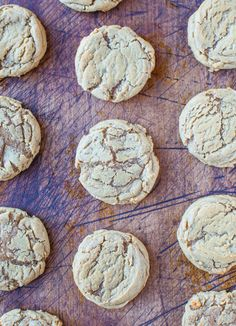 Soft and Chewy Brown Sugar Maple Cookies - Two types of brown sugar and maple syrup give these soft, buttery cookies an incredible caramel-ey flavor! Maple Dessert Recipes, Just Desserts, Delicious Desserts, Buttery Cookies, Yummy Cookies, Best Cookie Recipes, Sweet Recipes, Soft Foods To Eat, Maple Cookies