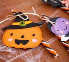 Halloween Treat Tags with #Cricut. I love the Create a Critter cartridges - the images are adorable!