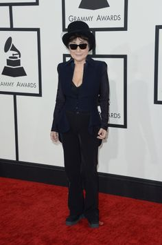 Yoko Ono (80) The 2014 Grammys Red Carpet To See more outfits modeled by Women over 45 see: http://stillblondeafteralltheseyears.com/category/outfits-modeled-women-over-45/ #OutfitsModeledbyWomenover45 #fashionforWomenover45 #YokoOno