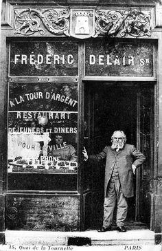 Restaurant A la Tour d'Argent, 15 Quai de la Tournelle, Paris, vers Restaurants In Paris, Restaurant Paris, Paris 1900, Old Paris, Paris France, Vintage Pictures, Old Pictures, Old Photos, Vintage Paris
