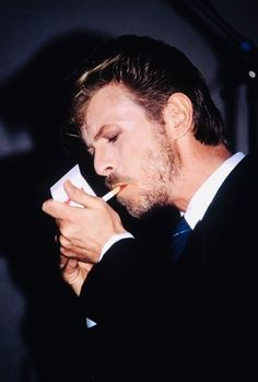 David Bowie, 1989 David Bowie, Tin Machine, Boys Keep Swinging, Mick Ronson, Station To Station, Just Deal With It, Ziggy Stardust, The Man, Actors