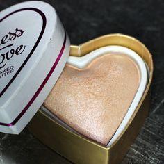 Makeup Revolution • I Love Makeup • Love Goddess Baked Highlighter   #recenzja #review #makeuprevolution #ilovemakeup #highlighter #higlight #rozswietlacz