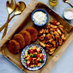 Quinoaburgare med rostad potatis och mild tzatziki
