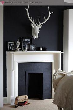 hearthomemag.co.uk Issue 5 Sarah Jagger by hearthomemag, via Flickr Inspiration Salon, Living Room Inspiration, White Fireplace, White Mantel, Fake Fireplace, Paint Fireplace, Mantle, Fireplace Ideas, Classic Fireplace