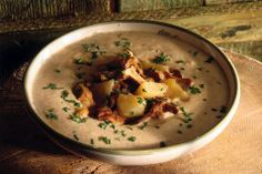 Crema di Finferli/ Chanterelle Cream Soup   http://ricette.donnamoderna.com/var/ezflow_site/storage/images/media/images/ricette-importate/primo/minestra-e-zuppa/crema-di-finferli/piatt...