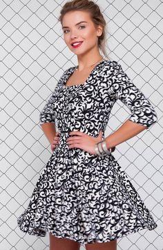 Cover GR1157 sukienka mleczna Elegancka sukienka, wykonana z nowoczesnej tkaniny w modny nadruk, dół pięknie rozkloszowany Dresses With Sleeves, Long Sleeve, Fashion, Moda, Gowns With Sleeves, Fashion Styles, Fasion