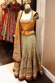 """Meetali Creations is a Residential Designer Boutique in Ludhiana (Punjab) India who employs master craftsmen and who deliver """" Made To –Measure"""" bespoke suits, Lehenga & Wedding Wear for your Family members of highest quality. Indian Dresses, Indian Outfits, Indian Clothes, Indian Blouse, Indian Wear, Wedding Show, Wedding Wear, Fashion Beauty, Beauty Style"""