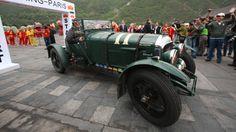 Viagem de carros clássicos entre Pequim e Paris