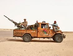 Libyan Battle Trucks, by photographer James Mollison - Album on Imgur