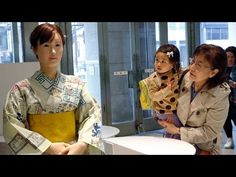 Video: Life-like android robot receptionist helps customers at Tokyo department store - Telegraph Robot Humanoïde, Human Like Robots, Types Of Robots, Intelligent Robot, Japan Info, Retail Customer, Customer Service, Humanoid Robot, Japan Today