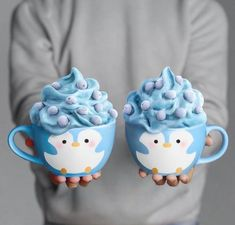 Pingüino discovered by María José on We Heart It - Milchshake Disney Desserts, Cute Desserts, Delicious Desserts, Yummy Food, Comida Disney, Kreative Desserts, Smoothie Cup, Smoothies, Cute Baking
