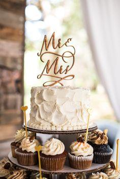 Key Lime Buttercream Wedding Cake | Sassy Cakes https://www.theknot.com/marketplace/sassy-cakes-naples-fl-505390 | Cocoluna Events | Zee Anna Photography https://www.theknot.com/marketplace/zee-anna-photography-naples-fl-387860