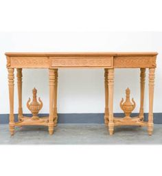 Two Urns Side Table / Dutch Connection