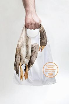 The Print Ad titled PLASTIC BAGS was done by Kepel & Mata advertising agency for product: Super Vea Environment Message (brand: Cencosud) in Argentina. It was released in the Mar Business sector is: Public Awareness Messages. Clever Advertising, Advertising Design, Advertisement Examples, Ads Creative, Creative Design, Social Awareness Posters, Satirical Illustrations, Save Our Earth, Plakat Design