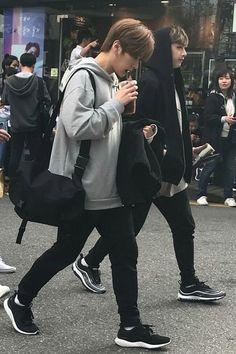 Stray Kids// Minho and Chan Lee Minho Stray Kids, Lee Know Stray Kids, Stray Kids Chan, Lee Min Ho, Fandom, K Pop, Rapper, Boyfriend Material, Kpop Boy