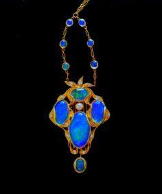 Art Nouveau Pendant - Opals and Diamonds set in Gold jj