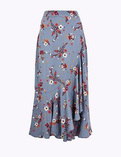 Floral print frill midi skirt per una m&s. Latest African Fashion Dresses, African Dresses For Women, African Style Clothing, Long Skirt Outfits, Printed Skirts, Dress Patterns, Dress Skirt, Fashion Outfits, Fashion Design