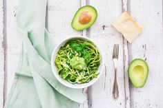 9 Best Avocado Recipes (That Don't Involve Toast) Healthy Low Carb Recipes, Healthy Fats, Vegetarian Recipes, Healthy Eating, Cooking Recipes, Best Avocado Recipes, Zucchini Ravioli, A Food, Food And Drink