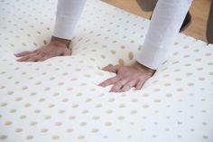 Casper memory foam mattress , made in the USA , 100 night trial period. Casper Mattress Reviews, Best Mattress, Foam Mattress, Casper Bed, Higher Design, Free Delivery, Memory Foam, Hand Sewing, Things That Bounce