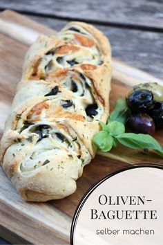 Recipe: making olive baguette yourself is not difficult with this baguette recipe. To bake baguette is best used flour type The olive bread recipe can also be changed to a herb bread recipe. Baking a baguette without form is very easy. Meat Recipes, Vegetarian Recipes, Dinner Recipes, Drink Recipes, Healthy Eating Tips, Clean Eating, Pain Aux Olives, Olive Bread, Herb Bread
