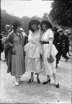 Fashion at Longchamp racecourse Belle Epoque, Longchamp, New Fashion Trends, Fashion Tips For Women, Historical Costume, Historical Clothing, Edwardian Fashion, Vintage Fashion, Edwardian Style