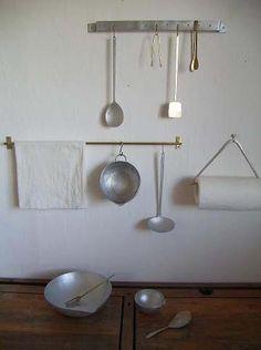 Hanging utensil rail