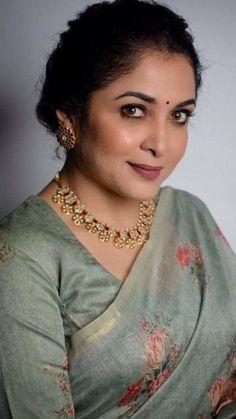 Beautiful Women Over 40, Beautiful Girl Photo, Beautiful Girl Indian, Most Beautiful Indian Actress, Beautiful Saree, South Indian Actress Hot, Indian Actress Hot Pics, South Actress, Beauty Full Girl