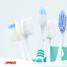 Certaines personnes n'ont aucun problème à partager leur brosse à dents, du moins avec leurs proches. Mais cette attitude peut être nocif pour la santé. Elle n'est pas hygiénique et, en plus, elle augmente le risque d'infection croisée, impliquant la transmission de micro-organismes d'une personne à une autre.      Restez en bonne santé!