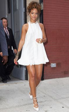 • Rihanna turned the New York sidewalk into her own personal runway •