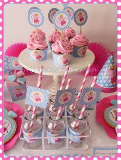 Fiestas Peppa Pig, Cumple Peppa Pig, Candy Bar Party, Cupcake Party, Pig Cupcakes, Cupcake Cakes, Pepper Pig Party Ideas, Peppa Pig Muddy Puddles, Bolo Da Peppa Pig