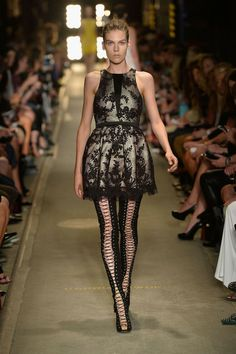 Fall 2013 Ready-to-Wear Alex Perry