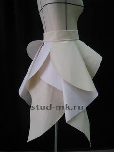 How to Drape in Fashion Design Textile Manipulation, Fabric Manipulation Techniques, Sleeves Designs For Dresses, Sleeve Designs, Sewing Clothes, Diy Clothes, Dress Patterns, Sewing Patterns, Moda Peru