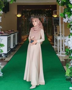 Kebaya Modern Hijab, Modern Hijab Fashion, Muslim Women Fashion, Hijab Fashion Inspiration, Hijab Dress Party, Hijab Style Dress, Dress Outfits, Dress Brokat Muslim, Muslim Dress