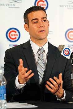 Cubs hire GM Theo Epstein