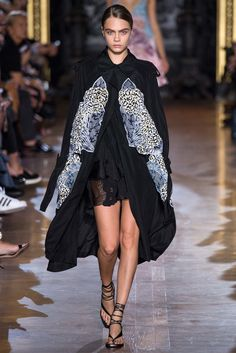 Stella McCartney Spring 2015 Ready-to-Wear Fashion Show Collection