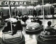 Ivan Farkas .  Pigalle, les auto tamponneuses, tirage argentique, Circa 1960,