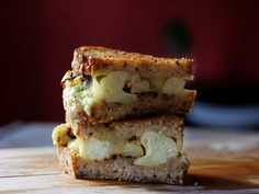 Cauliflower, Fontina and Blue Cheese Grilled Cheese by tastespotting #Grilled_Cheese #Cauliflower #tastespotting