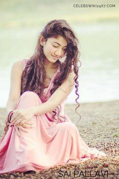 Cute Girl Poses, Cute Girl Photo, Girl Photo Poses, Cute Girls, Photography Studio Background, Girl Photography, Photography Camera, Beautiful Girl Indian, Most Beautiful Indian Actress